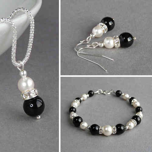 Black Pearl and Crystal Jewellery Set